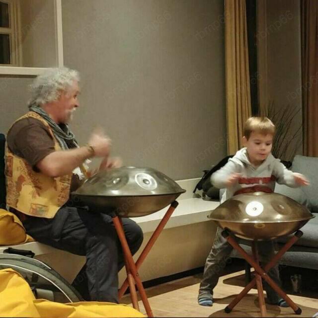 Děti a hra na handpan nebo sundrum